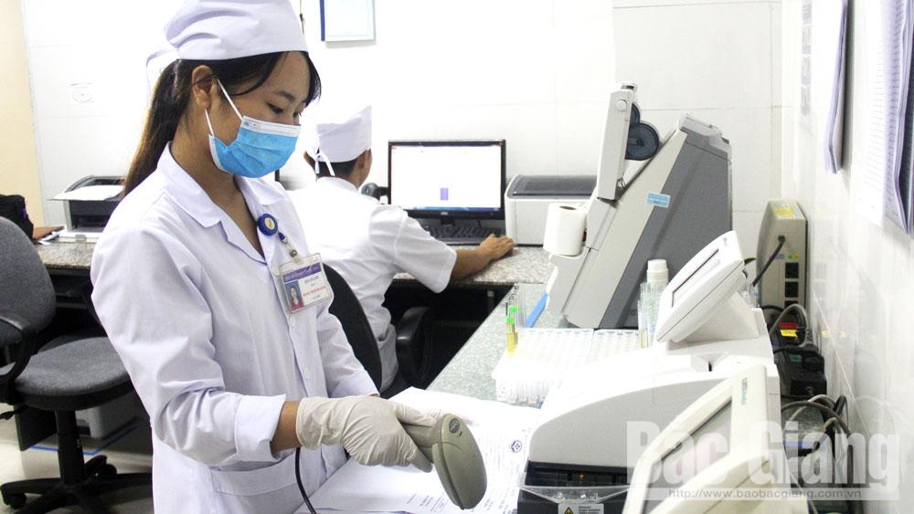 Ngành Y tế Bắc Giang: Giảm thủ tục, tăng giao dịch điện tử
